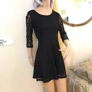 Mini dress of Black lace 3/4 sleeves
